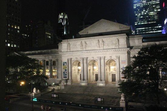 Andaz 5th Avenue: ny public library at night