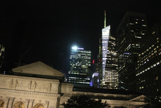 Andaz 5th Avenue: view at night