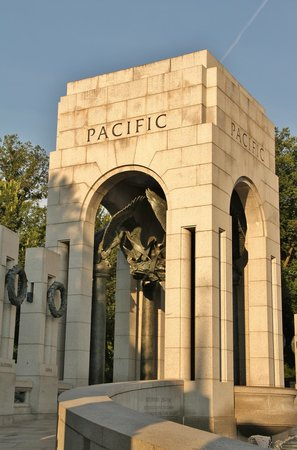 National World War II Memorial : Pacific Theater Arch