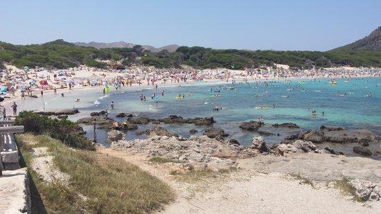 Cala Agulla: The beach