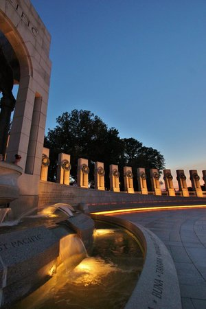 National World War II Memorial : View of Pacific Arch to west