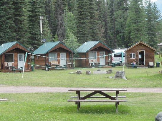 Stanton Creek Lodge: Smaller cabins
