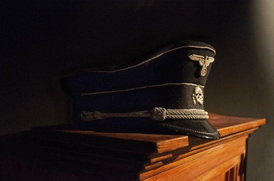Oskar Schindler's Factory: Gorra de la guardia de las SS