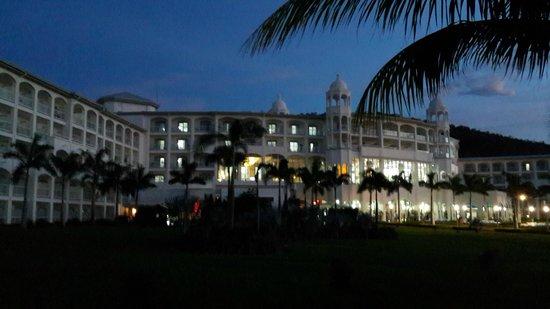 Hotel Riu Palace Costa Rica: Hotel y alrededores