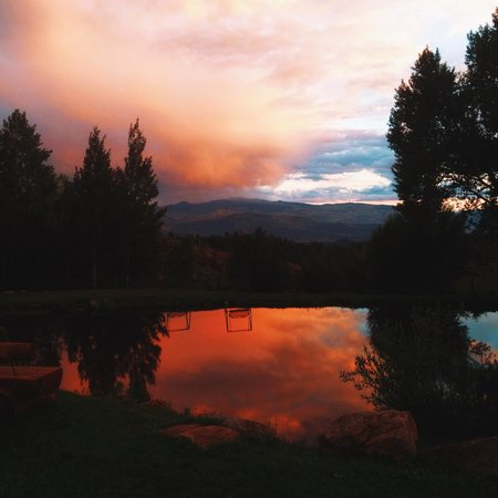 Black Mountain Ranch: Stunning Sunsets