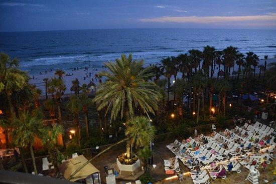 Holiday Inn Resort Panama City Beach: night view