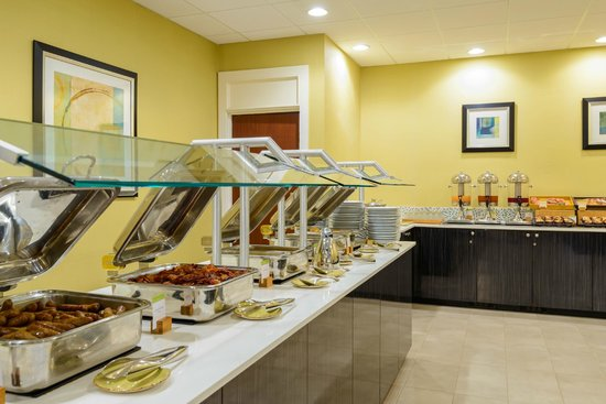 DoubleTree by Hilton Richmond-Midlothian: Wake Up DoubleTree Breakfast is the perfect start!