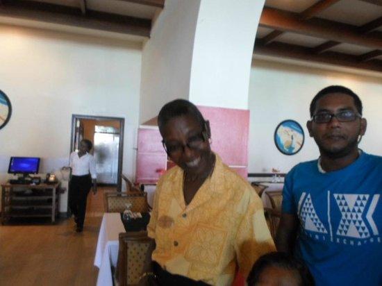 Sonesta Maho Beach Resort, Casino & Spa : dining staff service was excellent