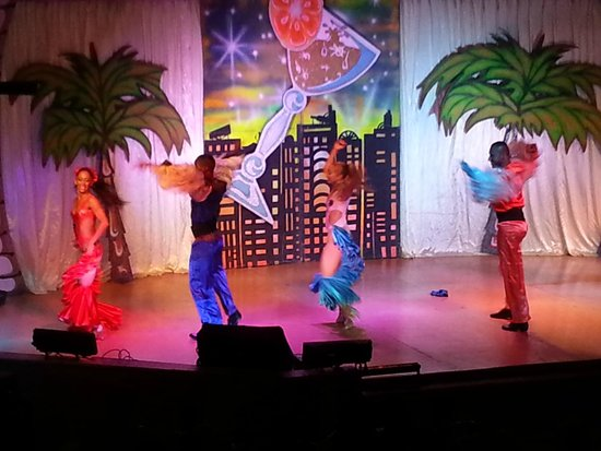 Royal Decameron Beach Resort, Golf & Casino : Show Decameron