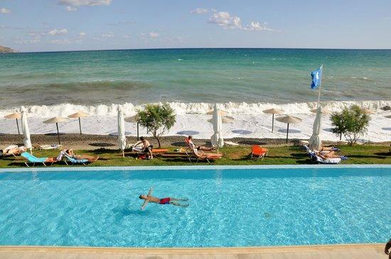 Grand Bay Beach Resort: Grand Bay Beach widom z pokoju