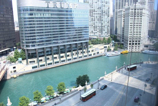 Wyndham Grand Chicago Riverfront: river view