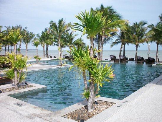 Beyond Resort Khaolak: Pool