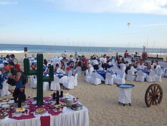Royal Solaris Los Cabos: Steak Night on the Beack