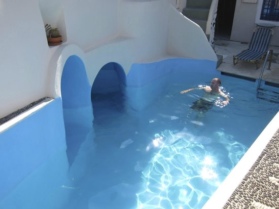 Kykladonisia Hotel and Hostel: The hotel pool!