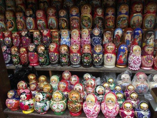 Izmailovsky Market : Matryoshka dolls