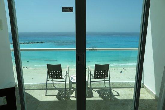 Krystal Cancun: Vista de dentro do quarto