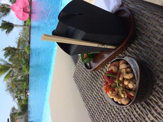 Fairmont Sanur Beach Bali: Lunch at the pool
