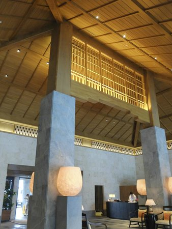 The Ritz-Carlton, Okinawa : ロビー