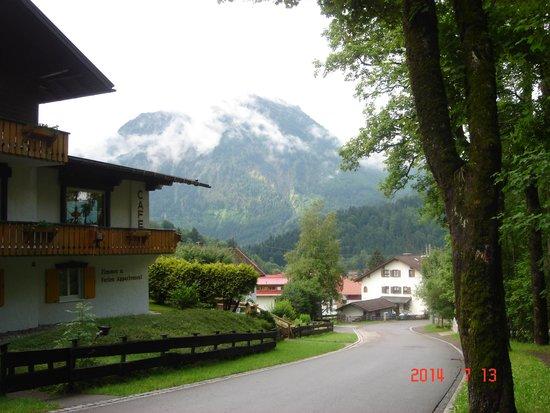 Das Schwanstein: Another view.