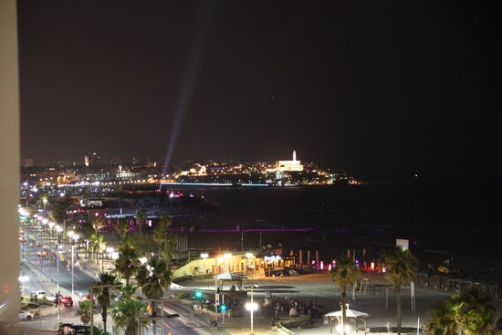 Sea Executive Suites: Jaffa/Yafo at night - view from room