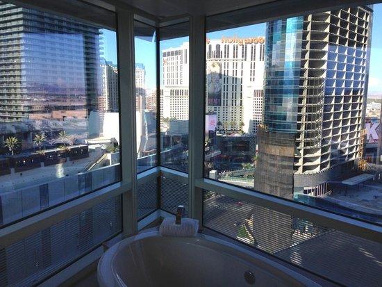 ARIA Resort & Casino: Corner Suite, bathroom view