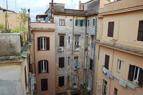 Hotel Lazzari: внутренний двор