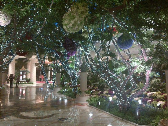 Wynn Las Vegas : Just inside the main entrance