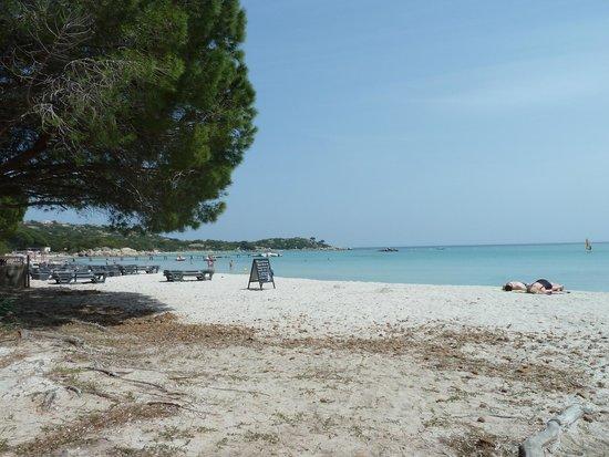 Résidence Costa Nera : entrée de la plage