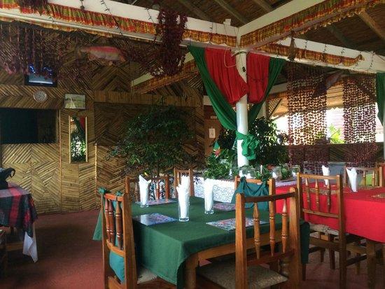 Le Petit Paradis: restaurant