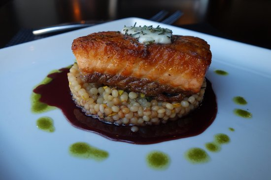 Dining at memoire: Wild Caught Faroe Island Salmon- Israeli Couscous, Rosemary Balsamic Reduction