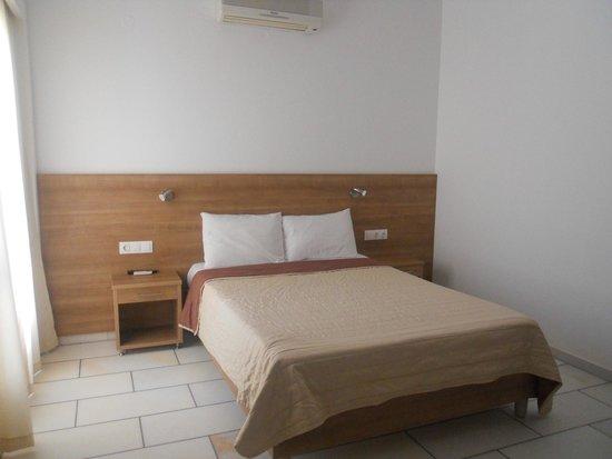 Brothers Hotel : Room 4 bedroom