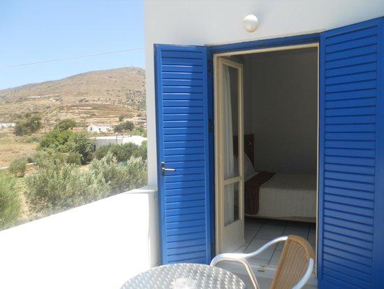 Brothers Hotel : Balcony of room 4