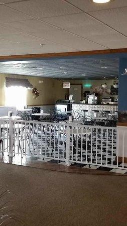 bluegate garden inn. Blue Gate Garden Inn - Shipshewana Hotel: Ice Cream Parlor Bluegate