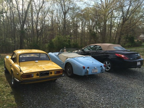 The Rockford Inn Bed and Breakfast: 3 convertibles for an April weekend in NC foothills