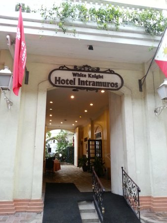 White Knight Hotel Intramuros: The Hotel's Front View