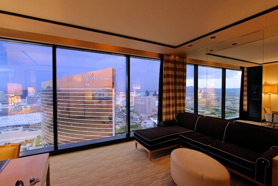Encore At Wynn  Las Vegas: View from the Living Room over the Strip