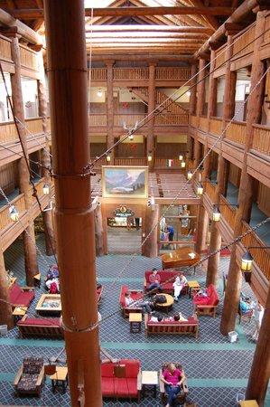 Many Glacier Hotel: interior lobby