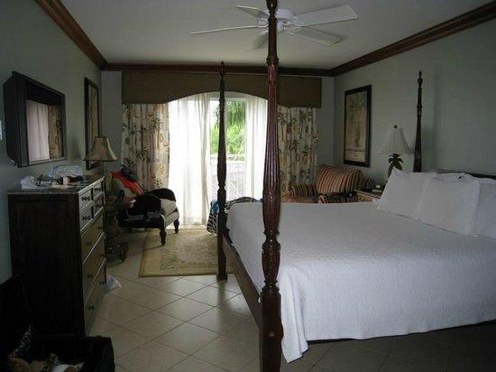 Sandals Regency La Toc Golf Resort and Spa : Emerald Honeymoon Ocean Front room