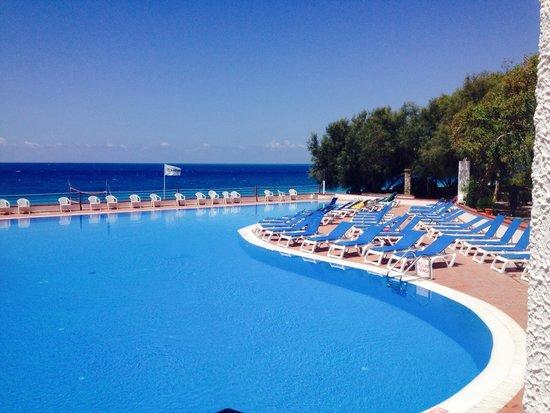 Club Valtur Capo Calava: Piscina vista mare