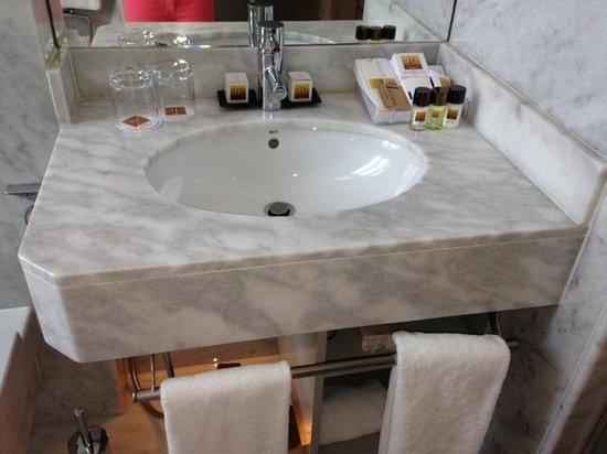 Hotel Preciados: Baño