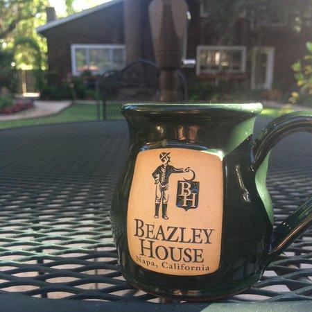 Beazley House: Coffee Garden-side