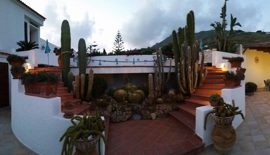 Hotel Villa Miralisa : Scale per le piscine