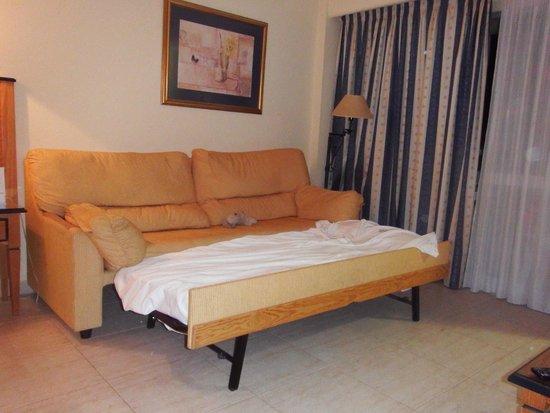 Hotel Apartamentos Pyr Fuengirola: Canapé lit