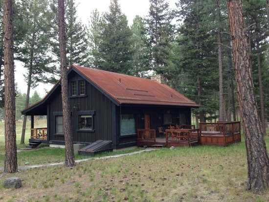 The Resort at Paws Up: Cosmo Gordon cabin
