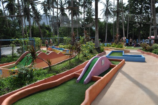 Coco Splash Adventure & WaterPark: MINI GOLF
