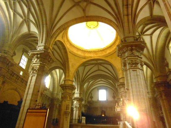 Iglesia de Santa Maria del Coro : interior