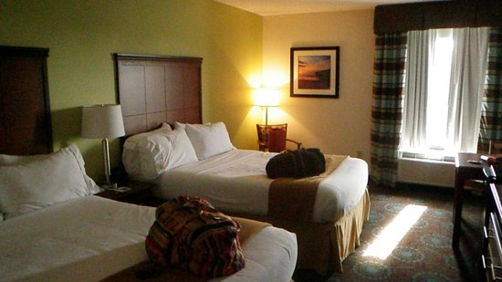 Holiday Inn Express Morehead City: Large nice clean rooms