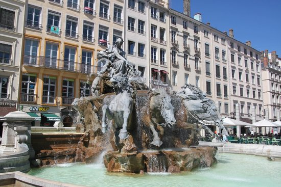 Fountain in Place des Terreaux