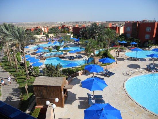 Aurora Bay Resort: Pools