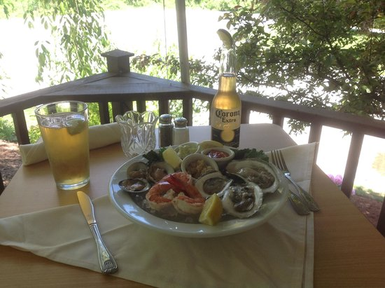 Grill 37 Pomfret ct: Awesome fresh oysters out on the back deck